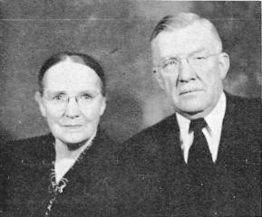 Oscar and Vivian McConkie 1952